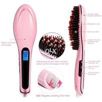 Hair Straightner Brush Realistic