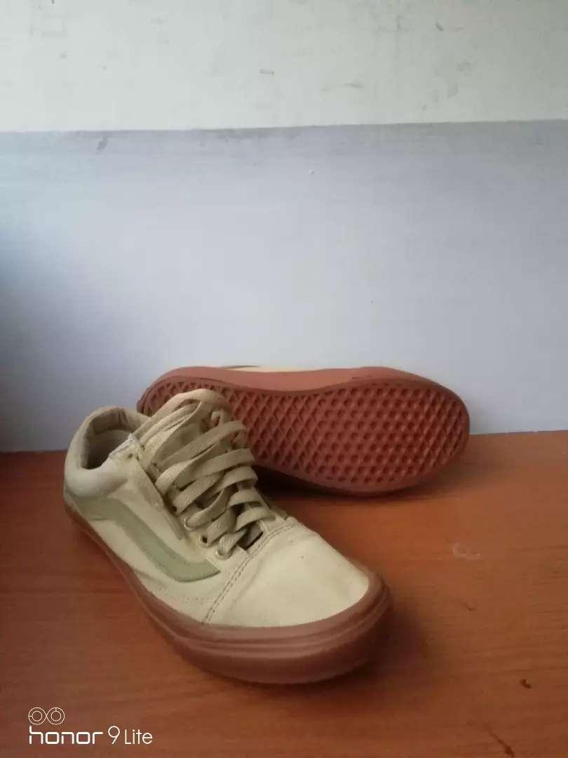 Lleno canal frente  Sepatu vans size 41.5 insole 26.5 cm - Fashion Pria - 796988833