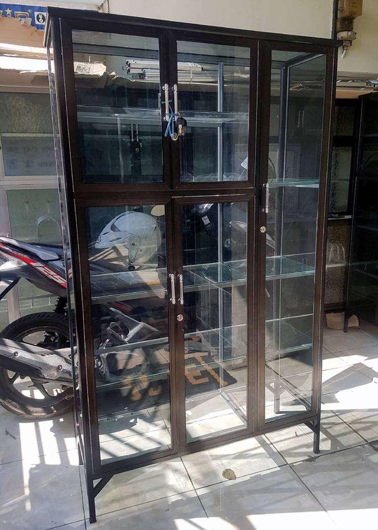 Lemari Serbaguna Aluminium 3 Pintu Frame Coklat Kaca Riben 95x36x160 Mebel 804702294