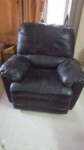 Awe Inspiring Recliner Used Sofa Dining For Sale In Mumbai Olx Gmtry Best Dining Table And Chair Ideas Images Gmtryco