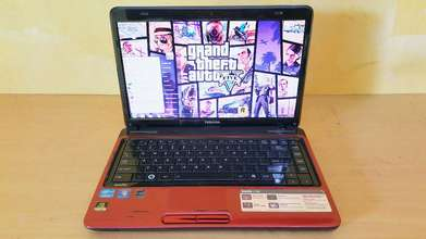 Laptop Core i5 Toshiba Gaming NVIDIA Batere Awet (RAM 4GB + HDD 640GB)