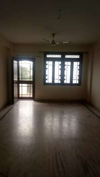 3 BHK 3rd floor flat with 24 hours lift facility near jabalpur railway @ Rs. 18,000/- at Civil Lines, Jabalpur, Madhya Pradesh