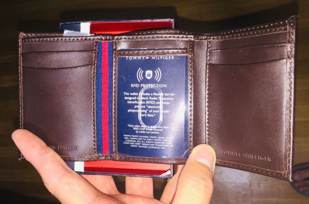 be84c86f85 Authentic Tommy Hilfiger Mens Trifold Leather Walet in Quezon City ...
