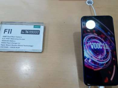 Oppo F11 ram 4  internal 128 gb