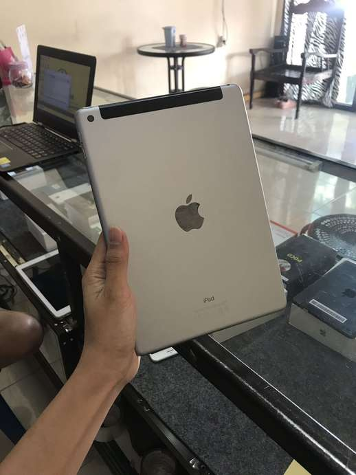 ipad gen 5 wifi+cell 32gb