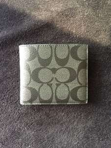 Dompet Coach Signature Leather