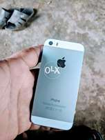 Iphone 5s 8/10 condition not any falt