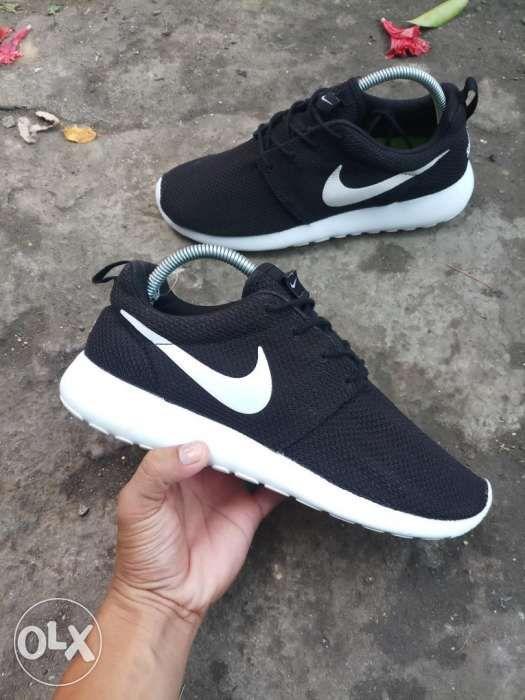 Sale Nike Roshe 1 size 7.5mens in Lapu-Lapu City 6665cd49f84f