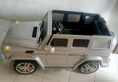 jual mobil aki/charge model Mercedes Benz G63 AMG nego.
