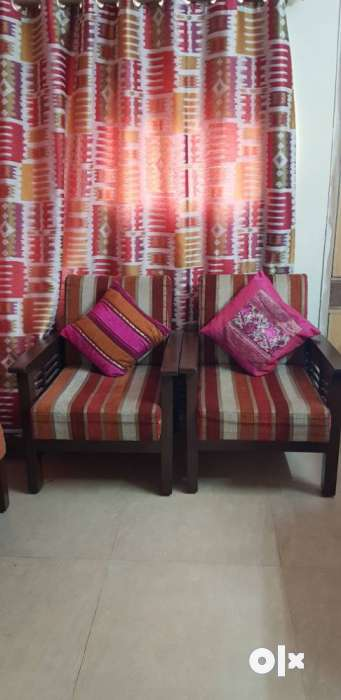311 seater sofa set with long life Teak wood Delhi  : images1000x700inslot3filenamegzpuirxdxjft IN from www.olx.in size 341 x 700 jpeg 27kB