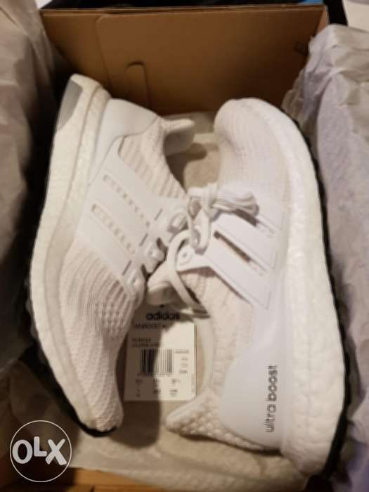 78d891fee13b4 Brand New Authentic Adidas UltraBOOST Women s Cloud White Size US 7 ...