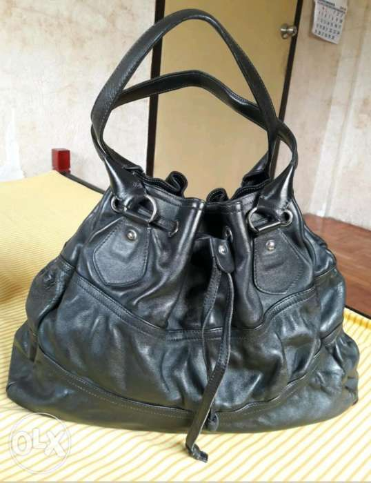 caad0825336a Cavalcanti Made In Italy Genuine Leather Drawstring Bucket Bag in ...