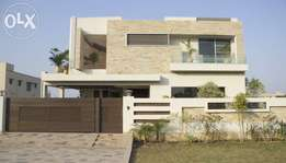 phase 3 dha. lahore one kanal upper portion for rent. marble floring.