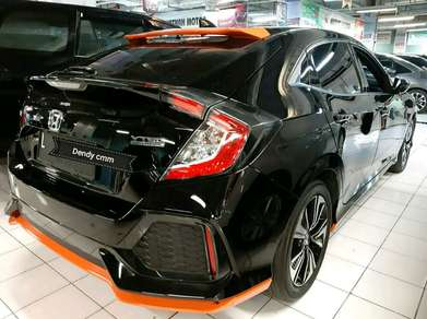 CIVIC TURBO 1.5 HB 2018 pmk S Matic Istimewa Km 16rb