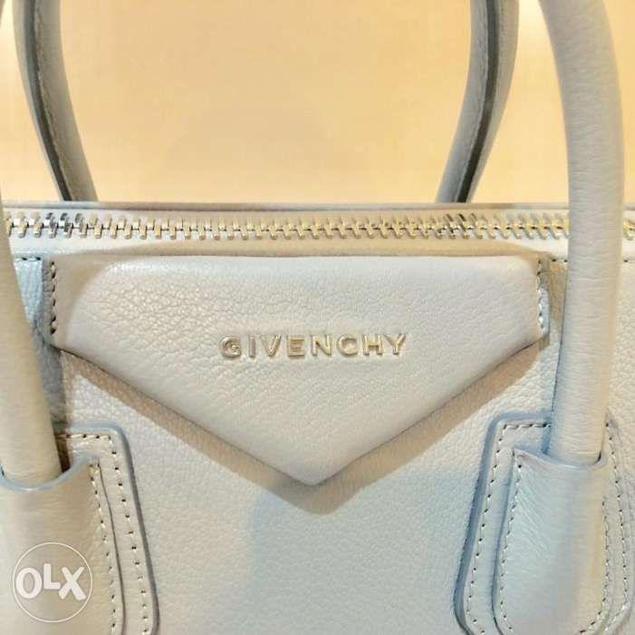 Givenchy Antigona Small Mint Condition in Las Piñas 16736a5e4ebc5