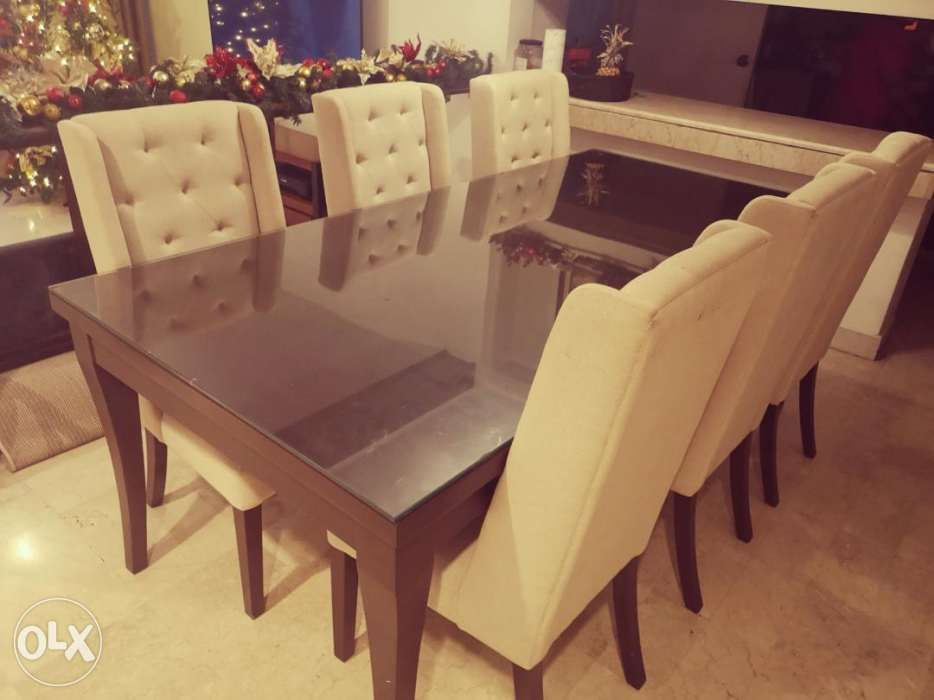 6 Seater With 2 Accent Chairs And Dining Table In Pasig Metro