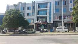 Bahria town phase 8 commercial plaza 5m available