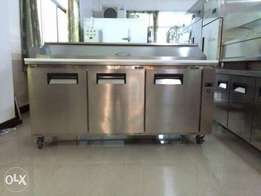 Imported preparation table under counter chiller pizza oven fast foods