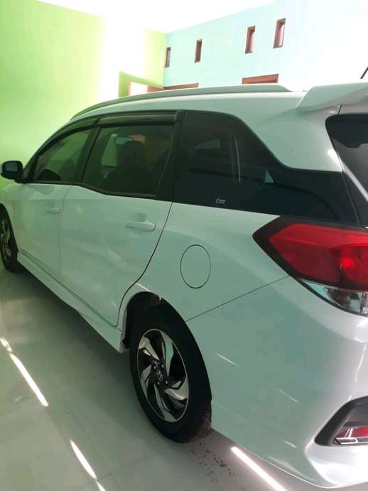 Mobilio rs 2015 mt low km 6600 on going Bekasi  163 Juta