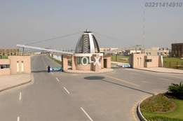 bahria orchard E block corner and facing park plot 403