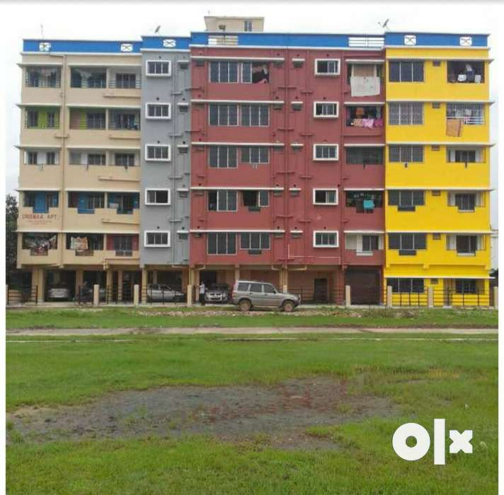 It is a 2 BHK flat with single room available . AC Block, New Town