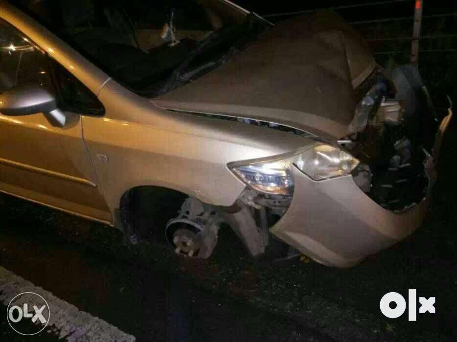 Accidental scrap cars n junk scrap car buyers we buy. - Navi Mumbai ...