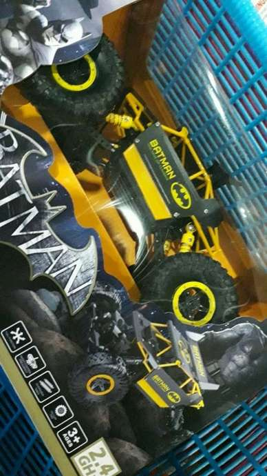 mobil Rc 4wd  scala 1:18
