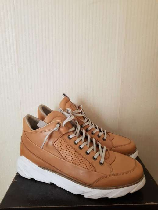 3c05b6c4d9d6 Close  x . Dijual Sepatu MerkJack   Jones x Tuan Le Footwear Collaboration