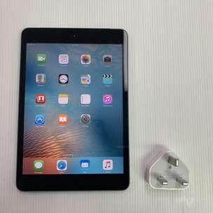 iPad mini 1 16GB Cell wifi space Gray Good Condition + Charger