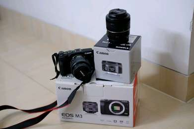 Canon Eos M3 Kit + EF 50MM STM + Canon EOS Adapter