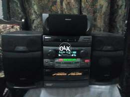 Samsung amplifier with speakers