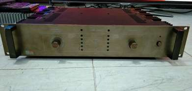 Fostex laboratory 300 power amplifier made in japan