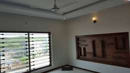 10 Marla brand new solid house in bahria town lahore