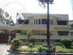 14 bed house for offices,schools 1200 yards F-10 main margalla road