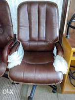 Revolving office Chair Wicket model brand new executive chair