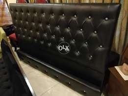 Black low height bed with sides