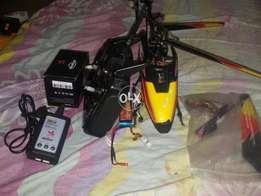 Rc Helicopter Wltoys V913 4ch Fixed Pitch Fast speed with 1300mah Bat