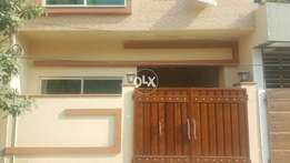 10 Marla Beautiful upper portion avilable for RENT in Bahria Town LHR