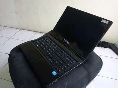 Leptop Zyrex Black -Hdd 120GB-2Gb-Body Mulus -Webcam