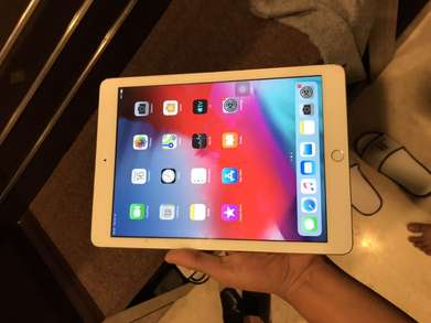 iPad 5 generation 128GB