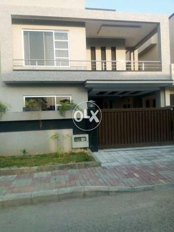Phase 2 Bahria Town 11 Marla ground portion ( For rent )