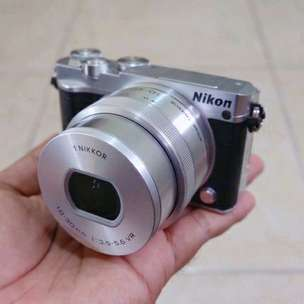 Mirrorless Camera Nikon J5 baru