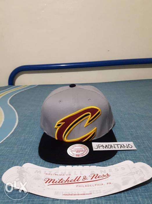 buy online 4a7d1 fafe9 Cleveland Cavaliers Mitchell and Ness NBA Cropped XL Logo Snapback Cap ...