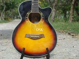 Equites Guitar Almost new, came from aboard