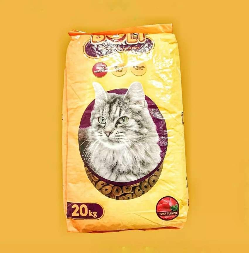Bolt Donat Makanan Kucing Kering Ukuran 20 Kg Bisa Cod Hewan