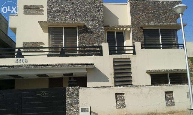 13marla upper portion nice location in bahria town rwp