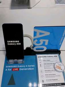 Samsung A50 4/64 diskon 450 ribu + Free Power Bank
