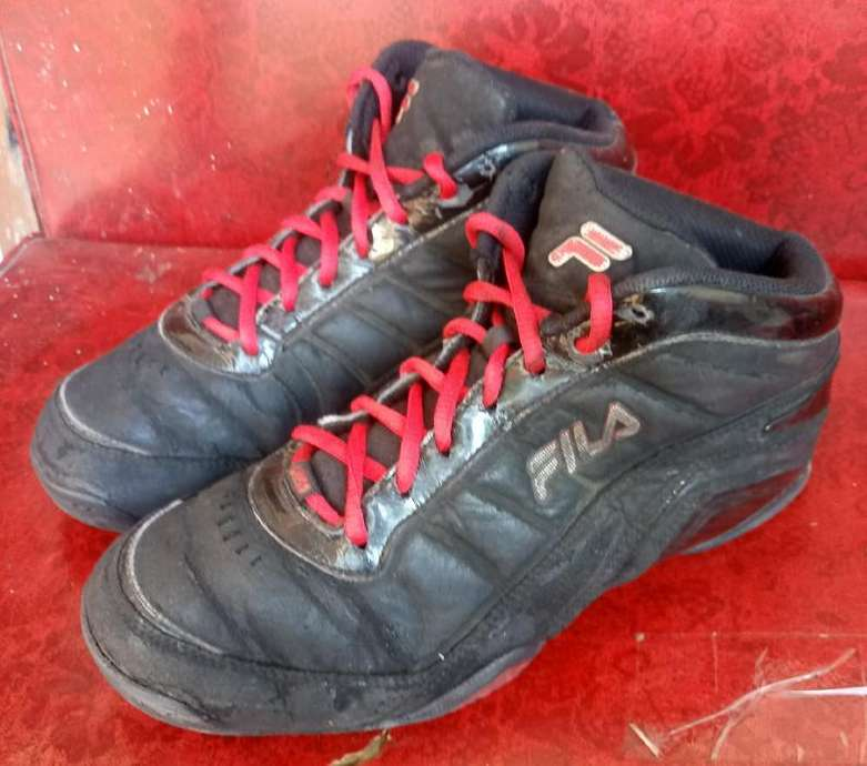 Tampilkan gambar. Close  x . Sepatu Sport Semi Boot Fila Made in USA  Original ... d2c7a4221c