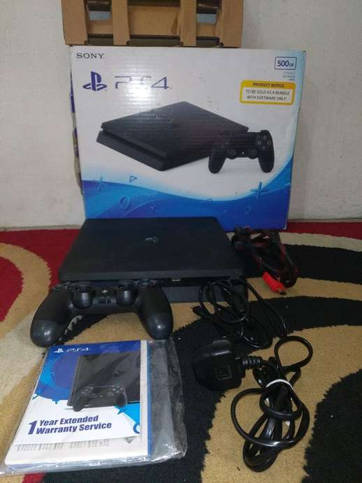 PS 4 slim tipe CUH-2006A B01 normal