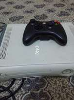 Xbox 360 with 2 wireless contoller adapter and Hdmi cable 60gb hard